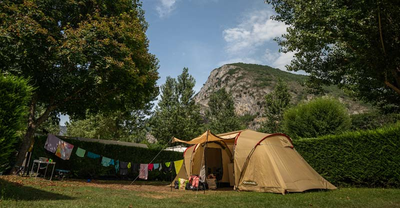 4 emplacement camping alliat tarascon, CAMPING DES GROTTES