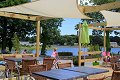 famille terasse snack camping bretagne, CAMPING LE LAC